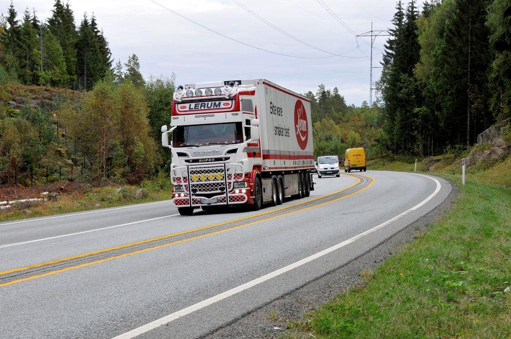 EUs transportministre vil stramme opp regelverket for lastebilsjåfører
